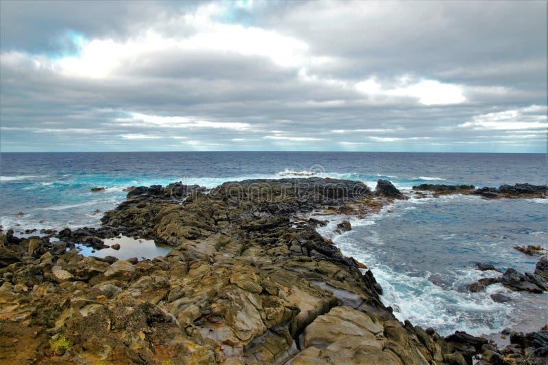 Costas em torno da Ilha de Páscoa foto de stock