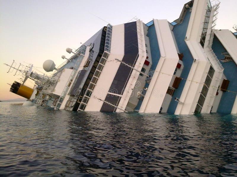 Costela de naufrágio Concordia do navio imagem de stock