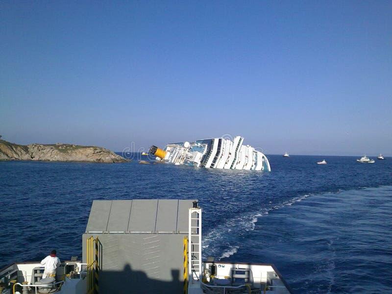Costela de naufrágio Concordia do navio de cruzeiros fotos de stock royalty free