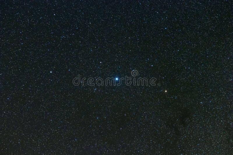 Costellazione dell'Aquila nel cielo notturno reale, Eagle Constellation Starry Sky, Altair, Alshain, Tarazed fotografia stock