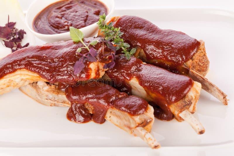 Download Costillas De Cerdo Asadas A La Parrilla Deliciosas Imagen de archivo - Imagen de nutritivo, marrón: 41900091