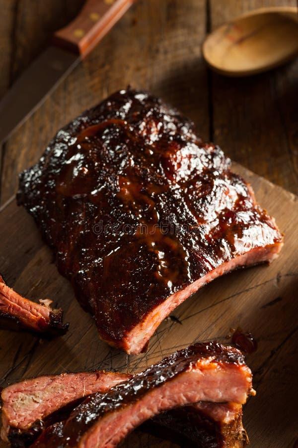Download Costole Di Carne Di Maiale Affumicate Casalinghe Del Barbecue Immagine Stock - Immagine di nutriente, croccante: 55351227