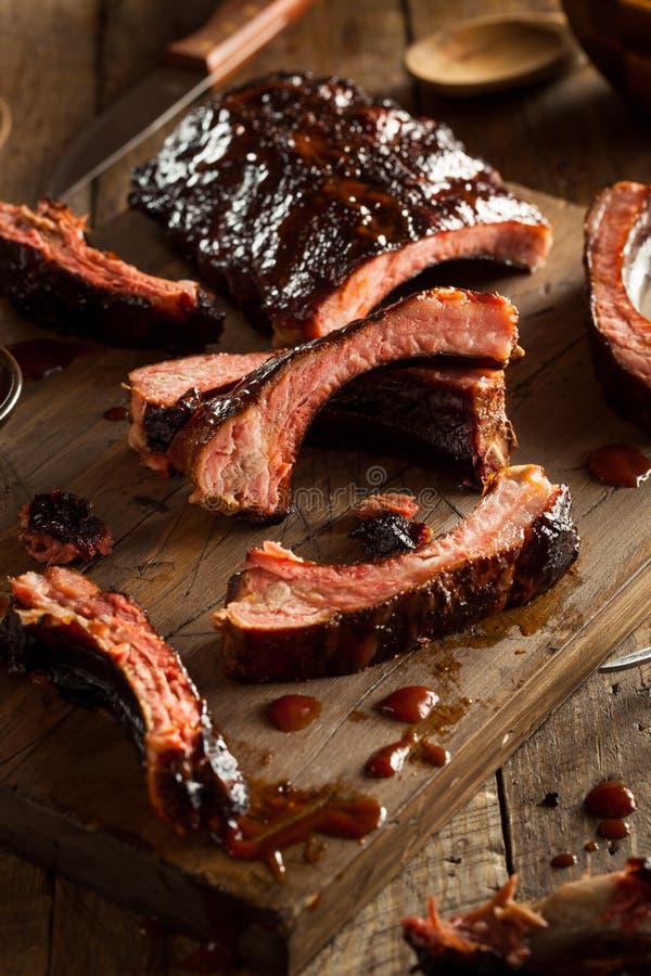 Download Costole Di Carne Di Maiale Affumicate Casalinghe Del Barbecue Fotografia Stock - Immagine di nutriente, pasto: 55351236