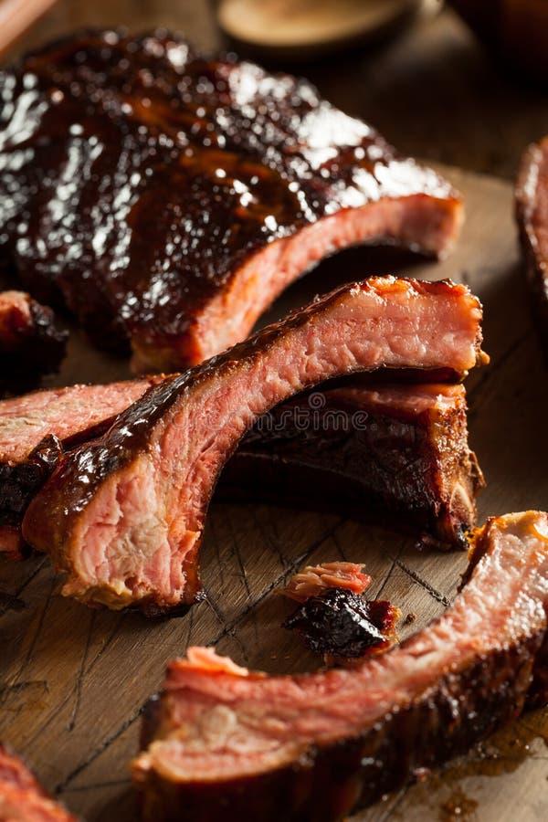 Download Costole Di Carne Di Maiale Affumicate Casalinghe Del Barbecue Immagine Stock - Immagine di cremagliera, griglia: 55351275