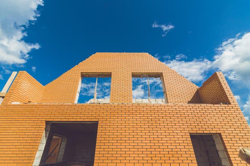 Costruendo un nuovo possieda a casa fotografie stock