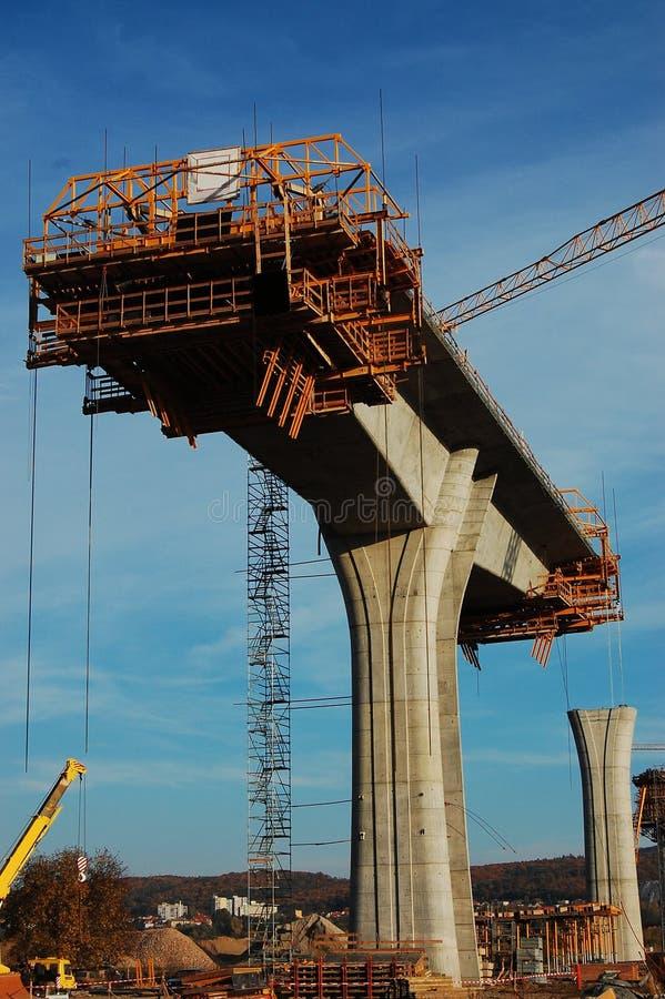 costruzione delle colonne concrete fotografia stock