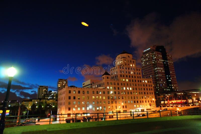Costruzione alla notte fotografia stock