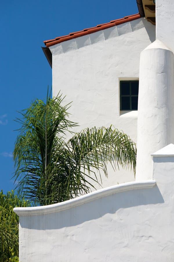 Download Costruzione Bianca Dello Stucco. Immagine Stock - Immagine di facade, tradizionale: 3877965