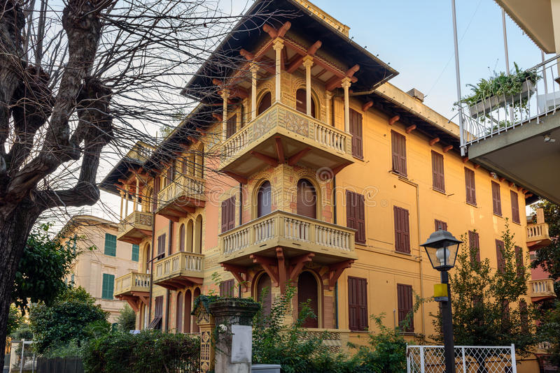 Costruzione chiusa dell'hotel nella città di Santa Margherita Ligure, Italia fotografia stock