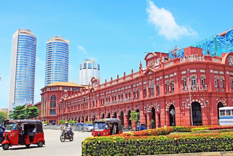 Costruzione coloniale e World Trade Center, Sri Lanka Colombo fotografia stock libera da diritti