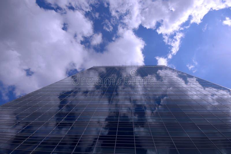 Costruzione con il cielo fotografia stock libera da diritti