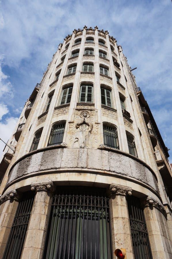 Costruzione d'angolo alta a Barcellona Spagna immagine stock libera da diritti