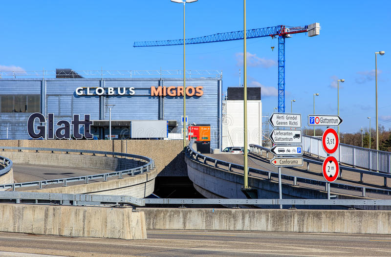 Costruzione del centro commerciale di Glatt in Wallisellen, Svizzera fotografie stock libere da diritti