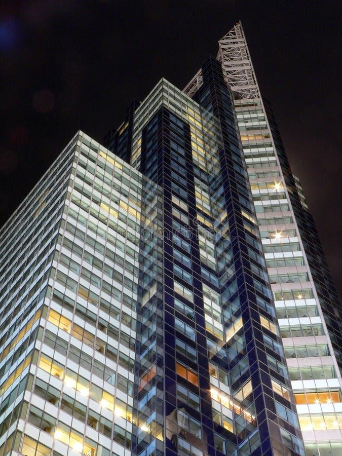 Costruzione Del Times Square Alla Notte Immagini Stock