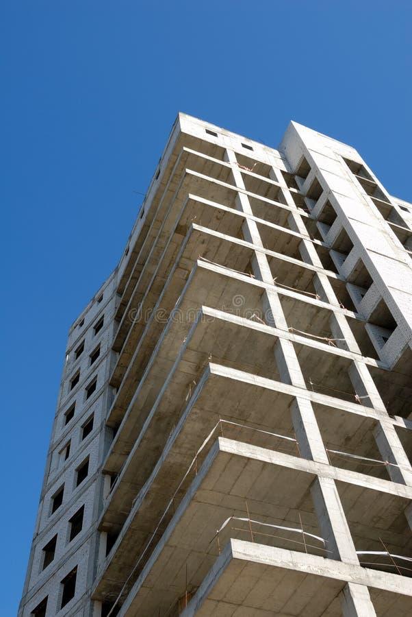 Download Costruzione Dell'edificio Per Uffici Fotografia Stock - Immagine di telaio, configurazione: 7305144