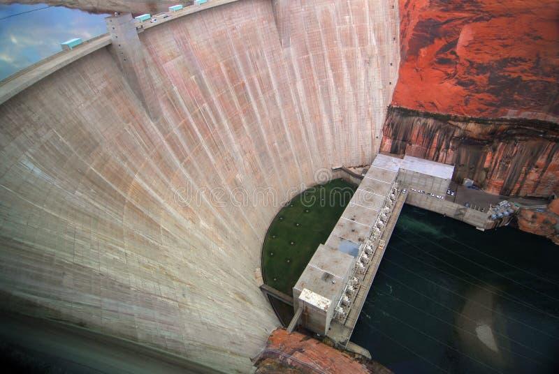 Costruzione della diga e della turbina del canyon della valletta immagine stock