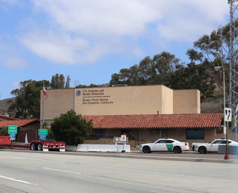 Costruzione della dogana e della pattuglia di frontiera degli Stati Uniti in San Clemente California fotografia stock