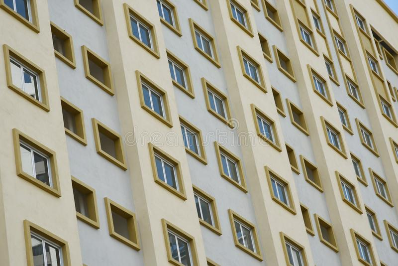 Costruzione di appartamento esteriore architettonica immagini stock libere da diritti