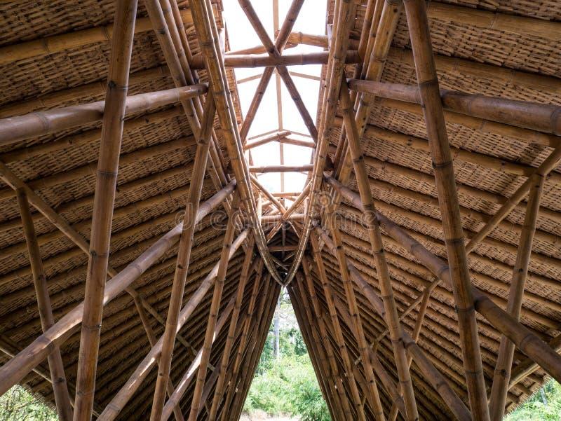 Costruzione di bambù del tetto, costruzione del tetto fatta da bambù fotografia stock libera da diritti
