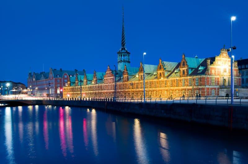 Costruzione di borsa valori di Borsen a Copenhaghen, Danimarca fotografia stock