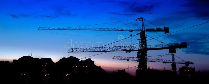 Costruzione di edifici al tramonto immagine stock libera da diritti