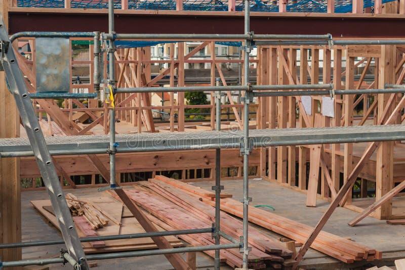 Costruzione di legno delle case private, costruente in Nuova Zelanda fotografie stock