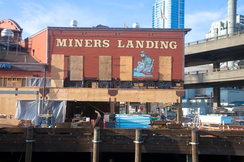 Costruzione di lungomare di Seattle, minatori che atterrano pilastro 56 fotografia stock