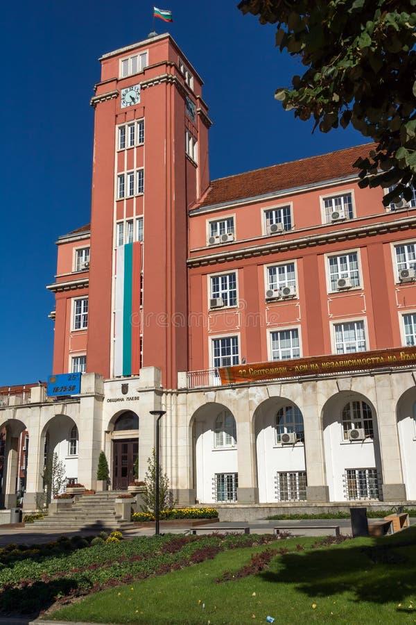 Costruzione di municipio nel centro di Pleven, Bulgaria immagine stock