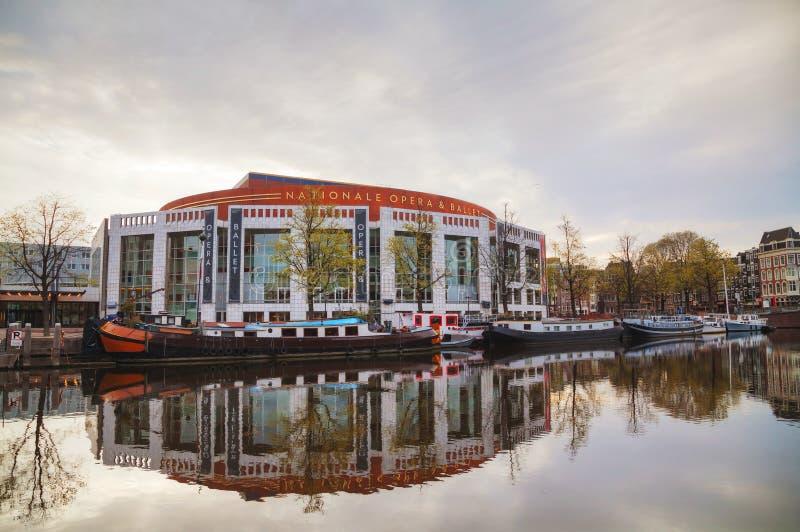Costruzione di opera e di balletto di Nationale a Amsterdam immagini stock