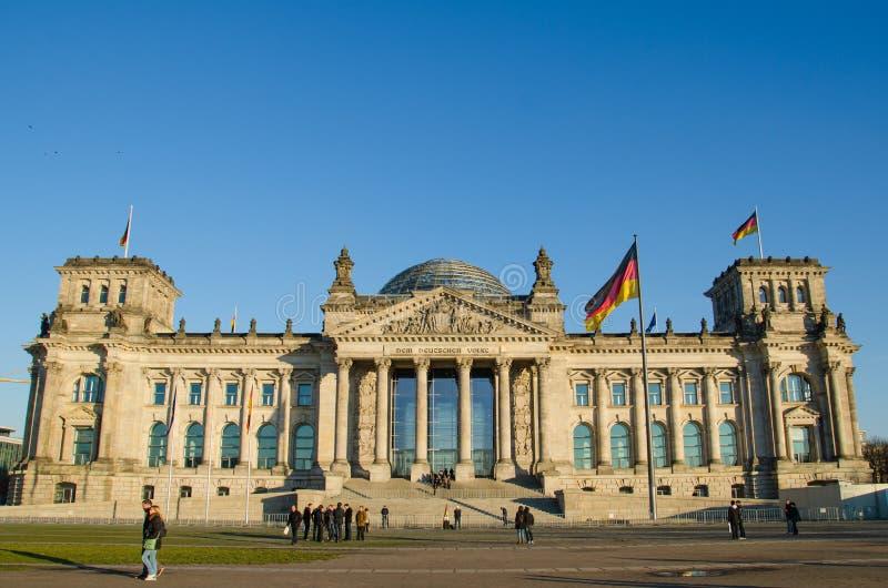 Costruzione di Reichstag (Parlamento tedesco) a Berlino, Germania immagine stock libera da diritti