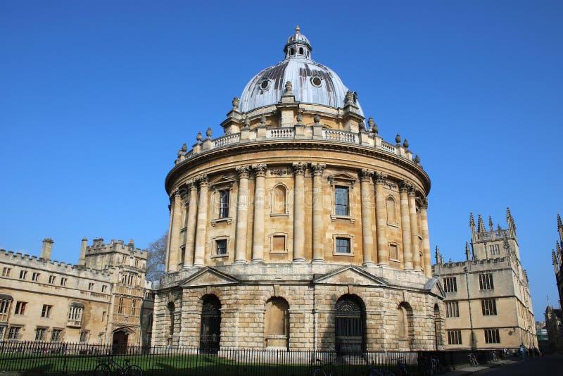 Costruzione famosa dell'università di Oxford della macchina fotografica di Radcliffe immagini stock