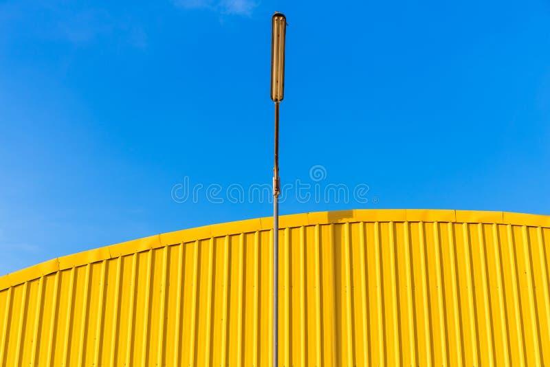 Costruzione gialla fotografie stock libere da diritti