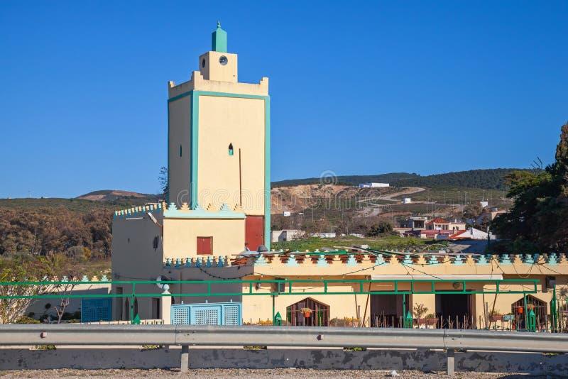 Costruzione gialla moderna della moschea. Tangeri, Marocco fotografia stock