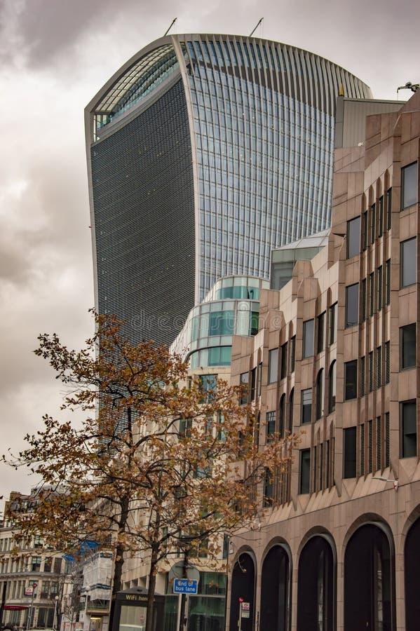 Costruzione Londra del walkie-talkie con altre fotografie stock libere da diritti