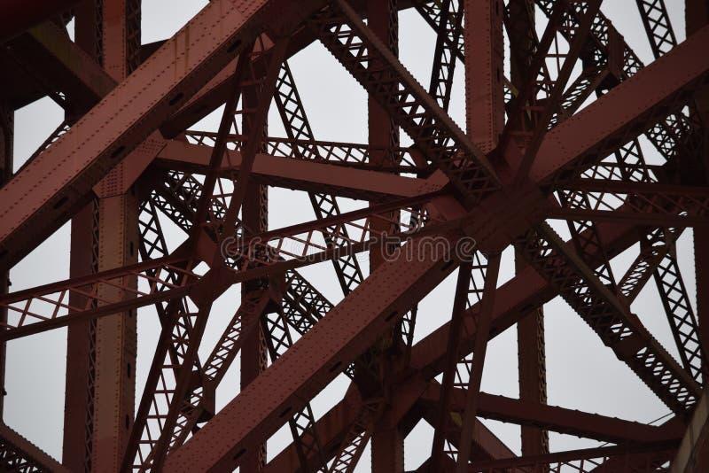 Costruzione metallica complessa del ponte fotografia stock