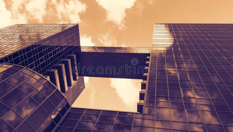 Download Costruzione moderna immagine stock. Immagine di grattacielo - 56884677