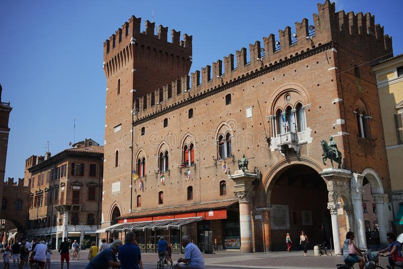 Costruzione municipale di Ferrara immagini stock libere da diritti