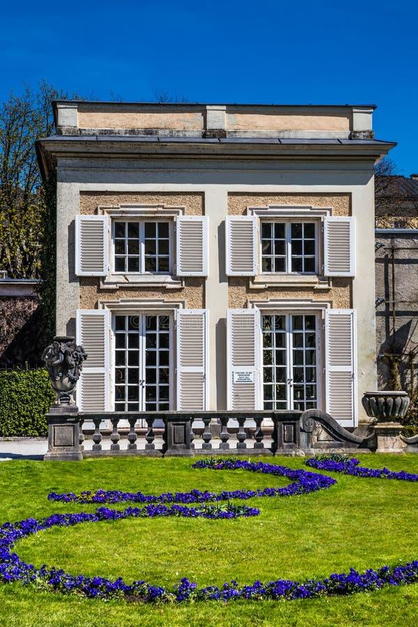 Giardini di estate del palazzo di mirabell salisburgo for Costruzione giardini