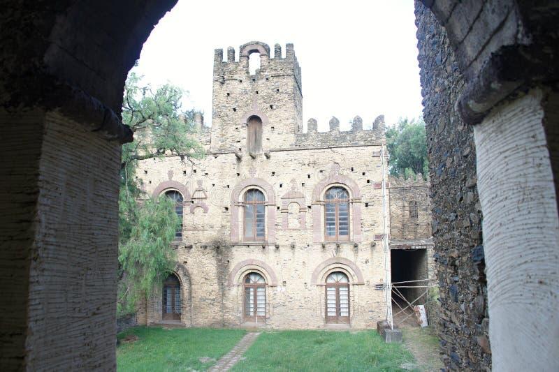 Costruzione nella città Fasil Ghebbi, Amhara della fortezza immagini stock libere da diritti