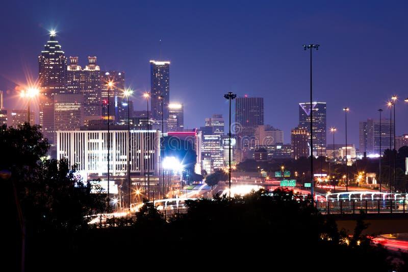 Costruzione più alta a Atlanta del centro al crepuscolo immagini stock
