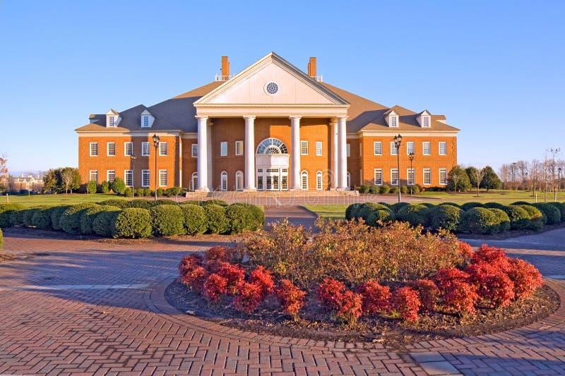 Costruzione su un campus universitario nella Virginia fotografia stock libera da diritti