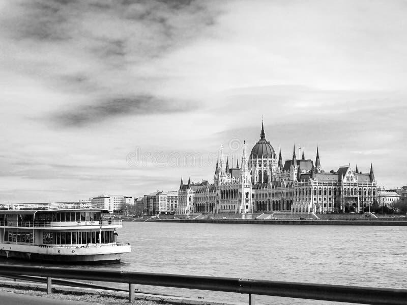 Costruzione ungherese del Parlamento fotografia stock