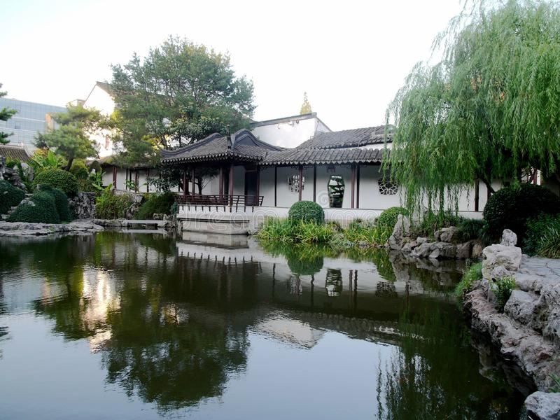 Costruzioni antiche lungo il fiume di Qinhuaihe immagini stock libere da diritti