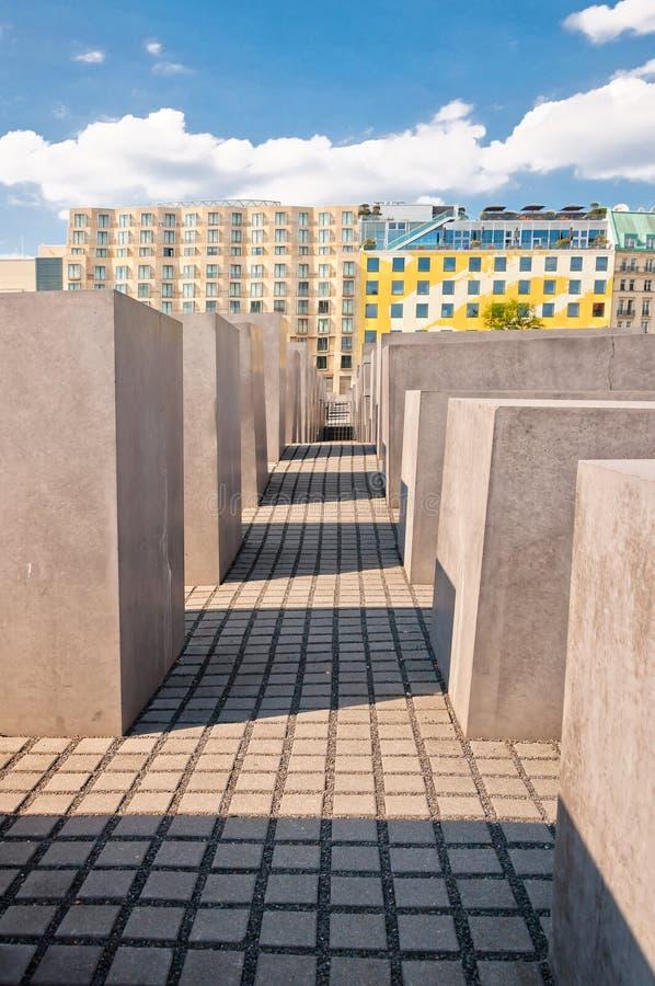 Costruzioni commemorative e moderne dell'olocausto a Berlino fotografie stock libere da diritti