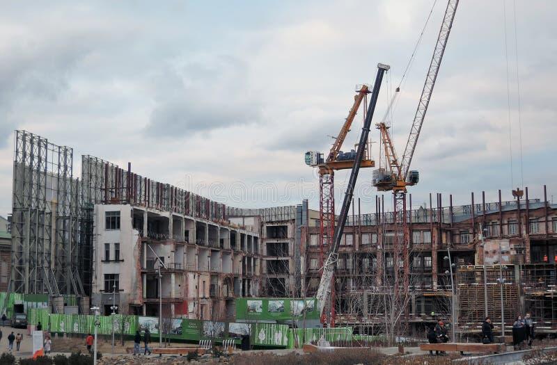 Costruzioni in costruzione nel centro urbano di Mosca fotografie stock