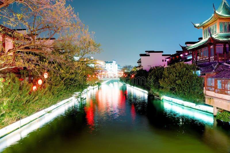 Costruzioni del cinese tradizionale lungo il fiume di Qinhuai immagine stock libera da diritti