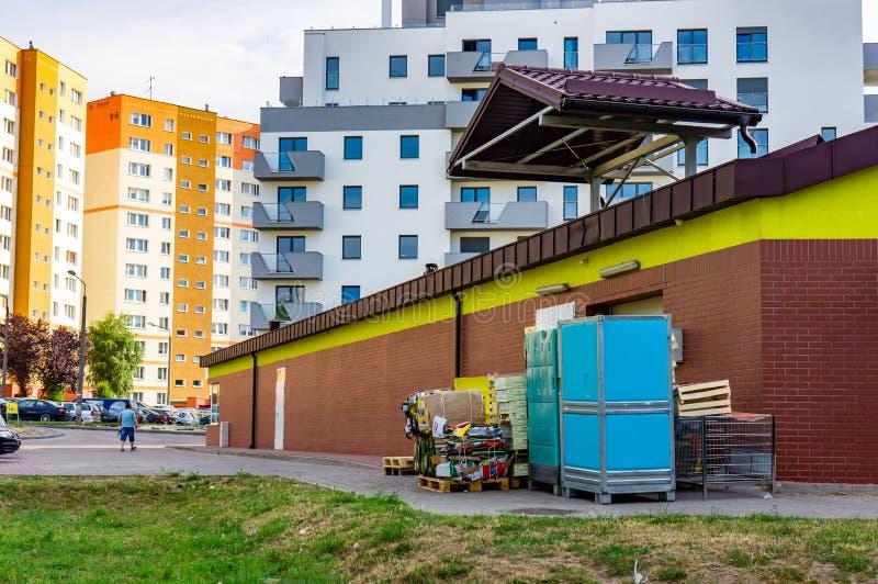 Costruzioni di appartamento e del supermercato fotografia stock