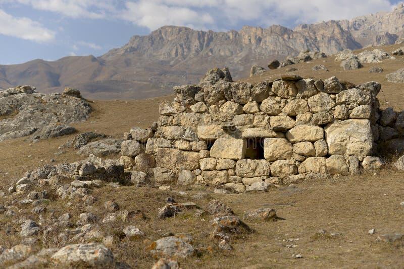 14-17 costruzioni di secolo nella città rovinata antica Simiti fotografia stock