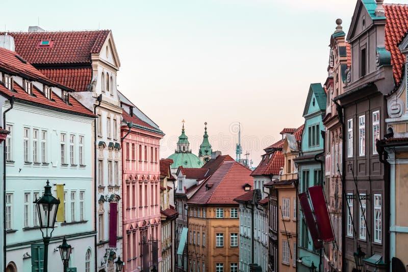 Costruzioni e vie di Praga, repubblica Ceca fotografie stock