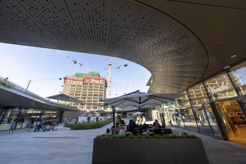 Costruzioni moderne a Citylife, Milano immagini stock